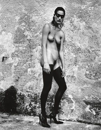Helmut Newton-Masked nude with rubber pantyhose, Ramatuelle-1981