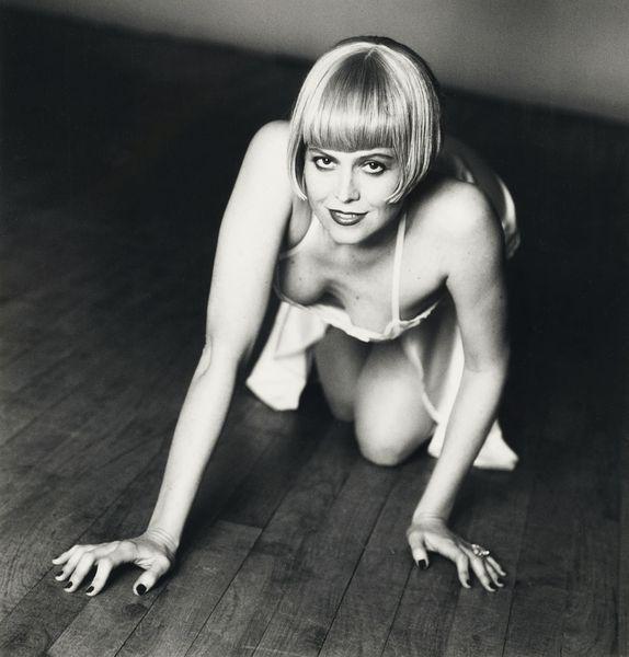 Helmut Newton-Sigourney Weaver-