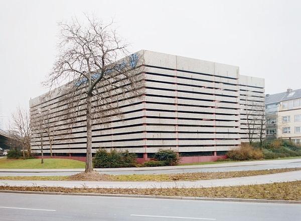 Thomas Ruff-Haus Nr.6 I-1989