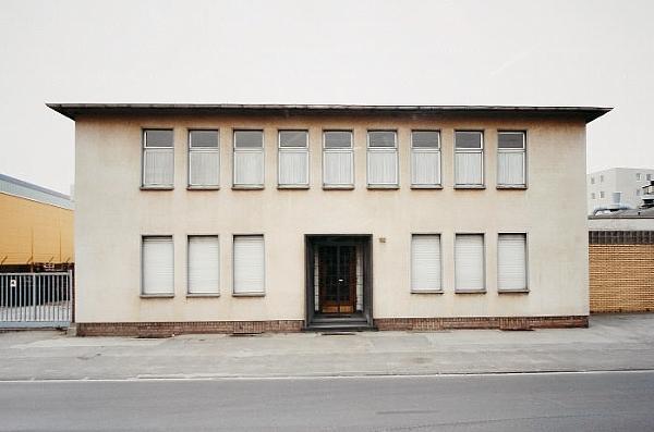 Thomas Ruff-Haus Nr.12 IIIa-1989