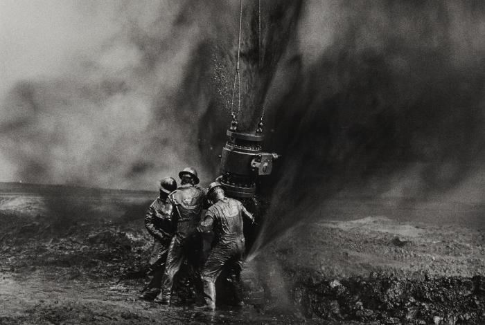 Sebastiao Salgado-Oil Well, Burhan, Kuwait-1991