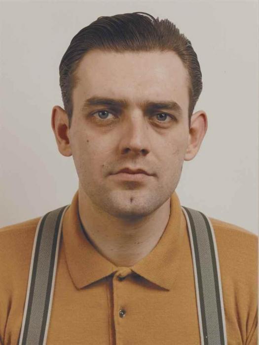 Thomas Ruff-Portrait (Stoya)-1986