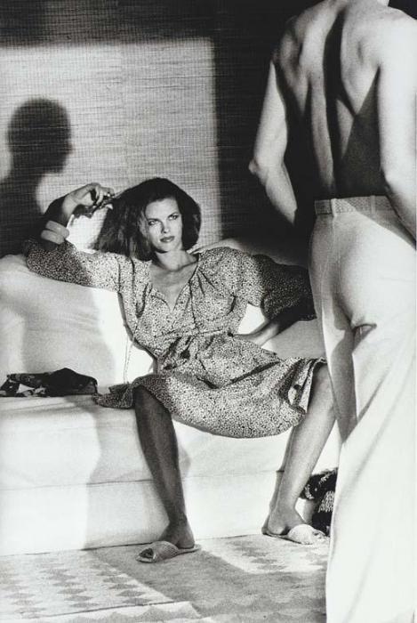 Helmut Newton-Woman examining Man, St Tropez-1975