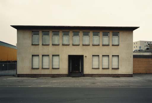 Thomas Ruff-Haus #12A-1989