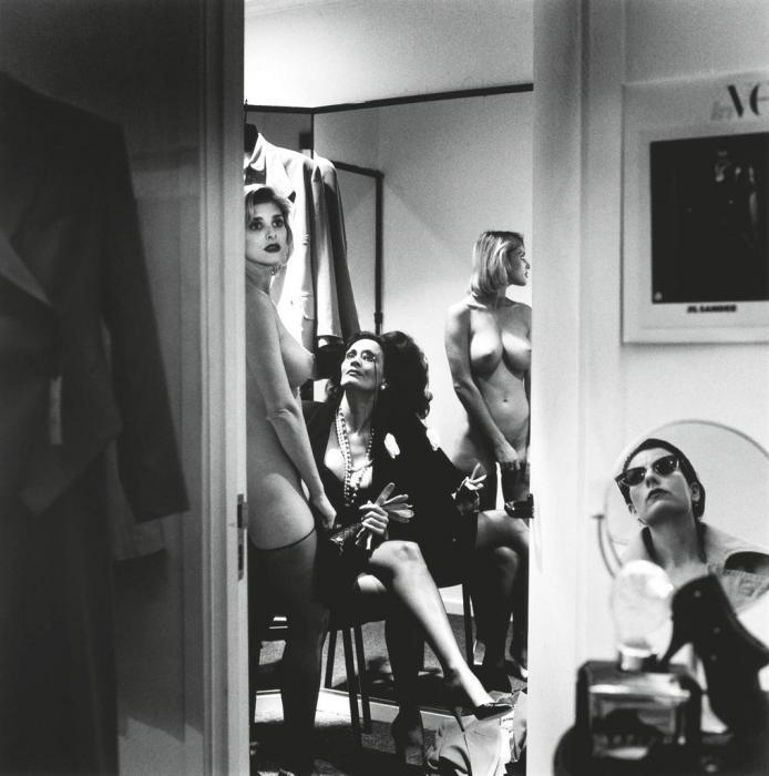 Helmut Newton-Voyeurism in Dressing Room, Los Angeles-1989
