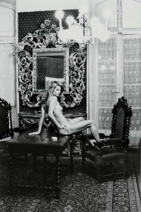 Helmut Newton-Charlotte Rampling, Arles (1973)-1973