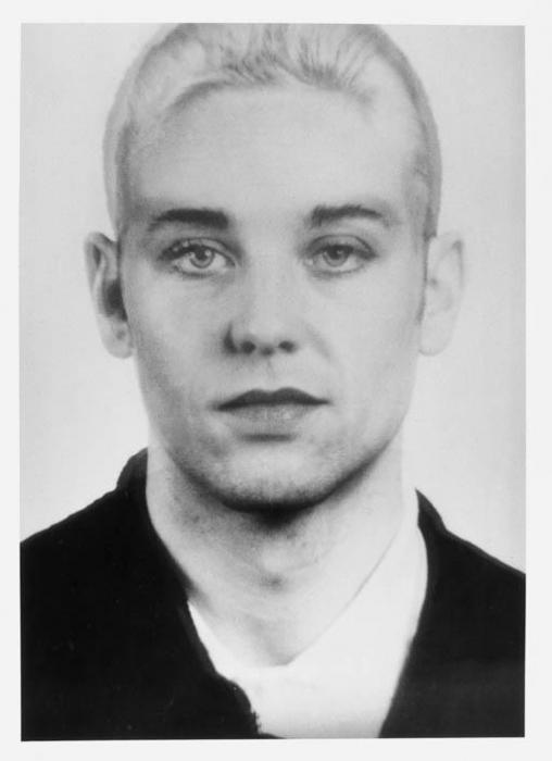Thomas Ruff-Andere Portrat 122-1994