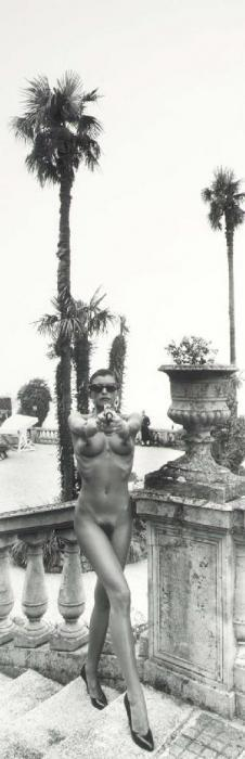 Helmut Newton-Panoramic Nude with Gun, Villa d'Este, Como-1989