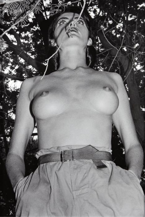 Helmut Newton-Henrietta In My Backyard, Ramatuelle (1980)-1980