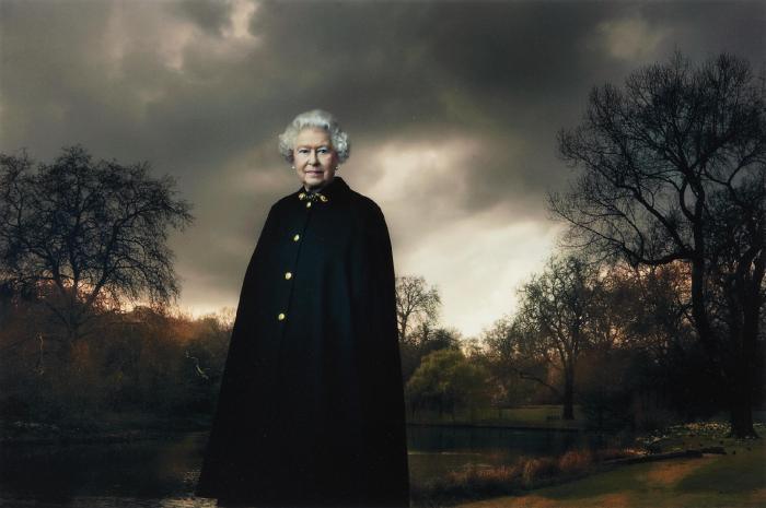 Annie Leibovitz-Queen Elizabeth II, Buckingham Palace, London-2007