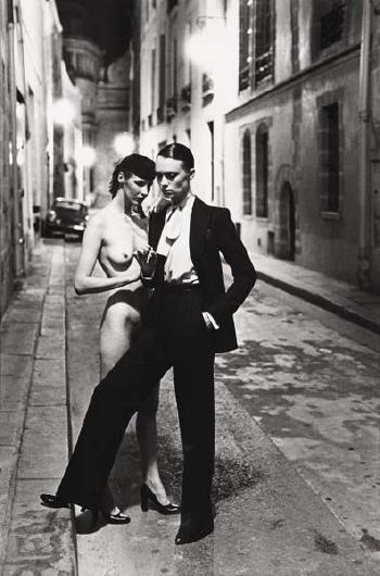 Helmut Newton-Rue Aubriot, Paris-1975