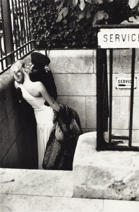Helmut Newton-Maitresse et Chauffeur, Paris-1976