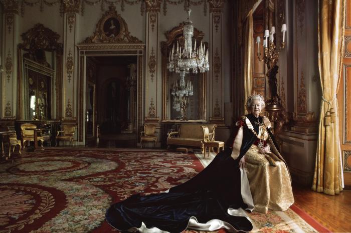 Annie Leibovitz-Queen Elizabeth II, Buckingham Palace, London, 2007-2007