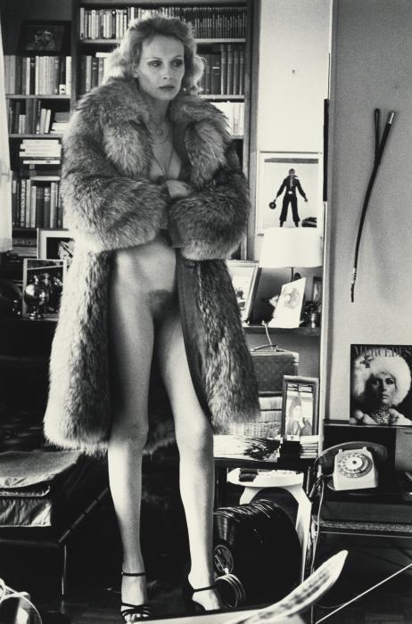 Helmut Newton-Mercedes at Home, Paris-1975