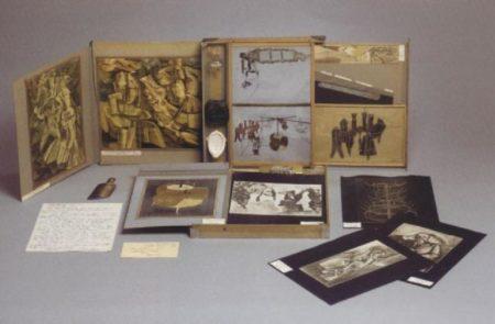 Marcel Duchamp-De ou par Marcel Duchamp ou Rrose Selavy (La Boite-en-valise)-1945