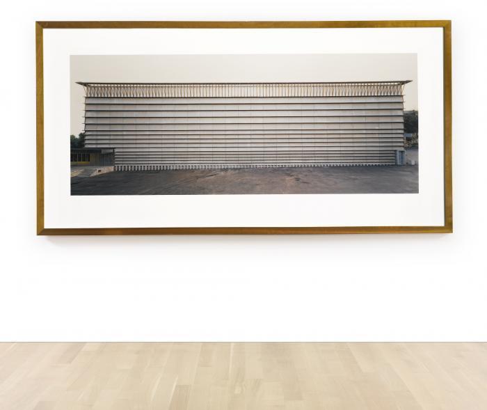 Thomas Ruff-Haus nr. 411 (Ricola Laufen)-1991