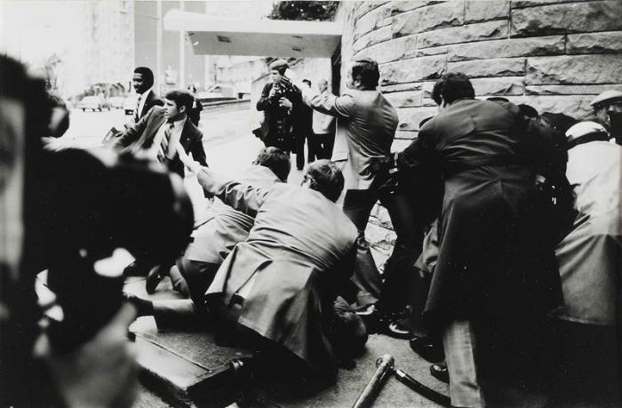 Sebastiao Salgado-Ronald Reagan Assassination Attempt-1981