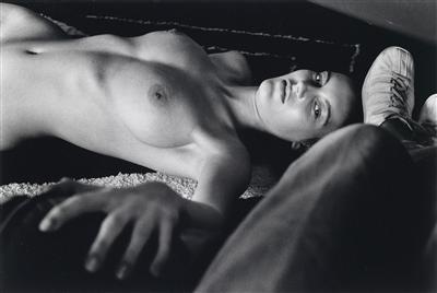 Helmut Newton-Arielle III (1982)-1982
