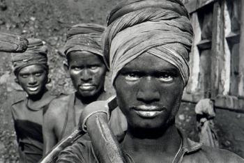 Sebastiao Salgado-Coal, India-1989