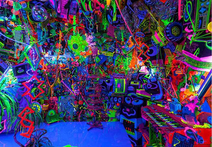 Kenny Scharf S Cosmic Cavern Widewalls