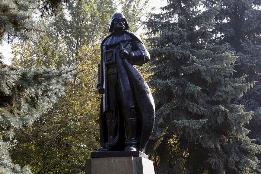 lenin darth vader statue twitter email ukraine vladimir world video tech email