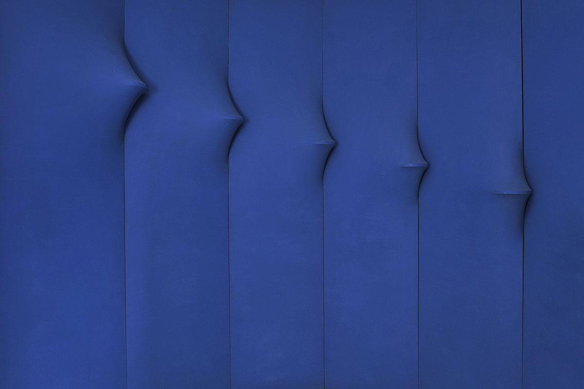 Agostino Bonalumi - blu abitabile (inhabitable blu), 1967