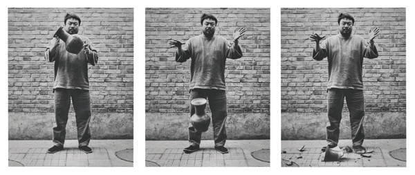 Ai Weiwei-Dropping A Han Dynasty Urn-2004