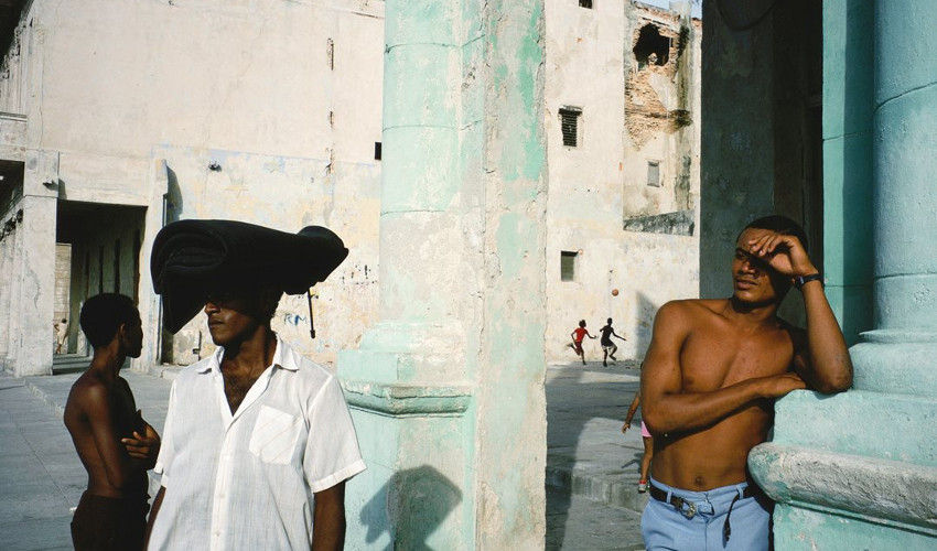 Alex Webb - Havana, 1993 (detail), books of photos by Rebecca Norris