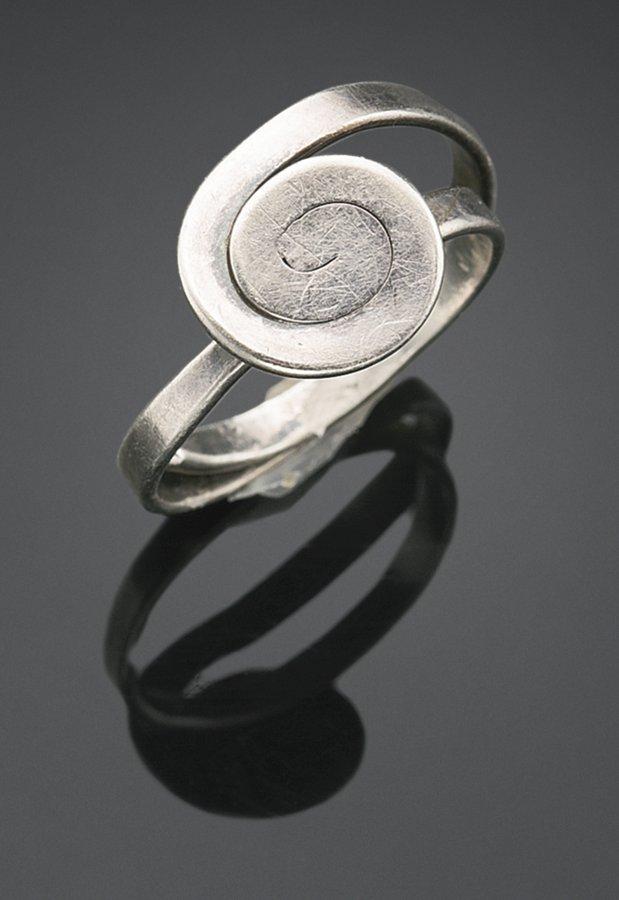 Alexander Calder-Ring-1950