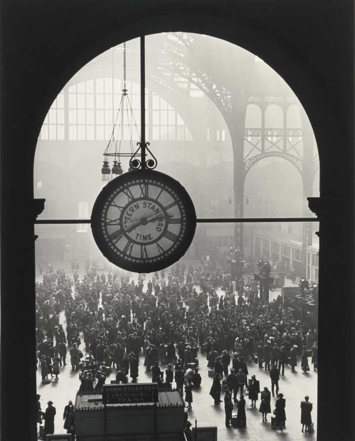 Alfred Eisenstaedt-Farewell To Servicemen Penn Station New York-1943
