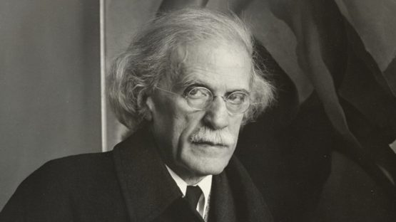 Alfred Stieglitz - Photo of the artist, 1934 - Image via 291 - 291 museum