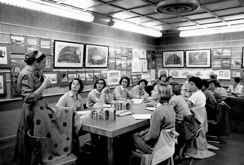 New York News - A 1959 Art History Class With Professor Linda Nochlin, Class of 1951