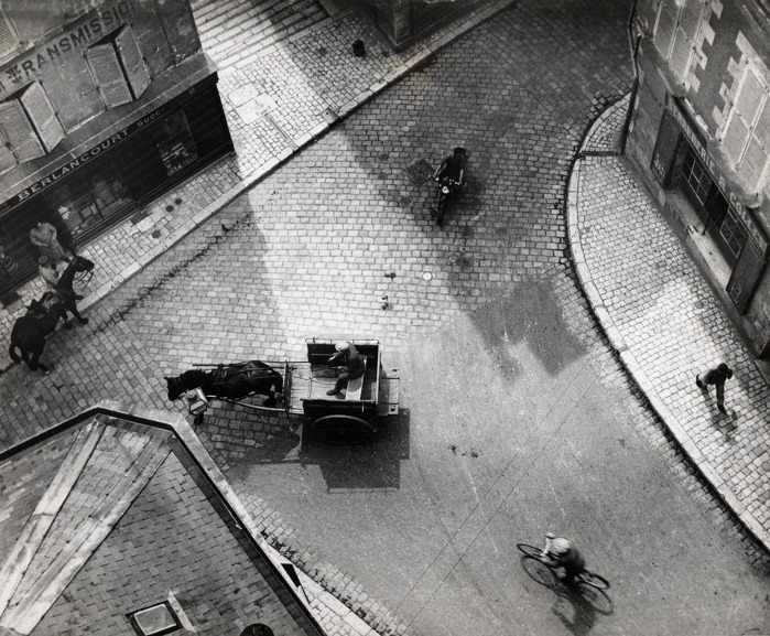 Andre Kertesz - Carrefour Blois