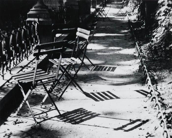 Andre Kertesz-Jardin du Luxembourg, Paris-1925