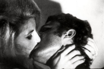 Exploring Kissing in Artworks of the 20th Century