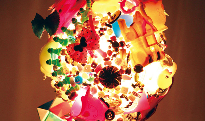 Angela Yuen - Object Lampshade - Plastic Toys, 2015 - detail