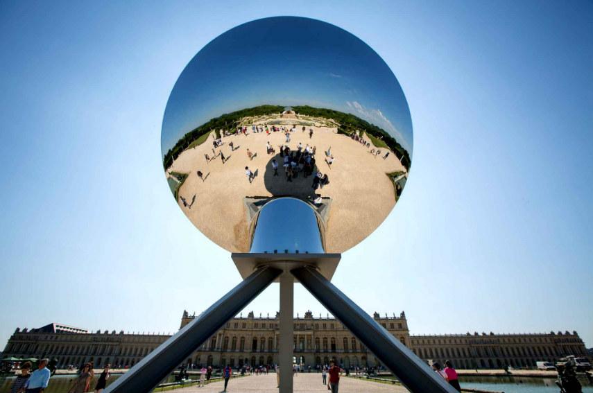 Anish Kapoor - Sky Mirror, 2006, photo via fubiz