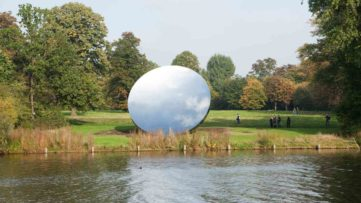 Anish Kapoor - Sky Mirror
