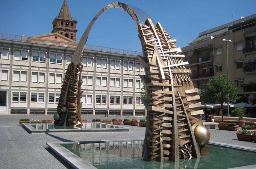 Arnaldo Pomodoro -The Tivoli Arch, 2007 - image via archimagazine.com