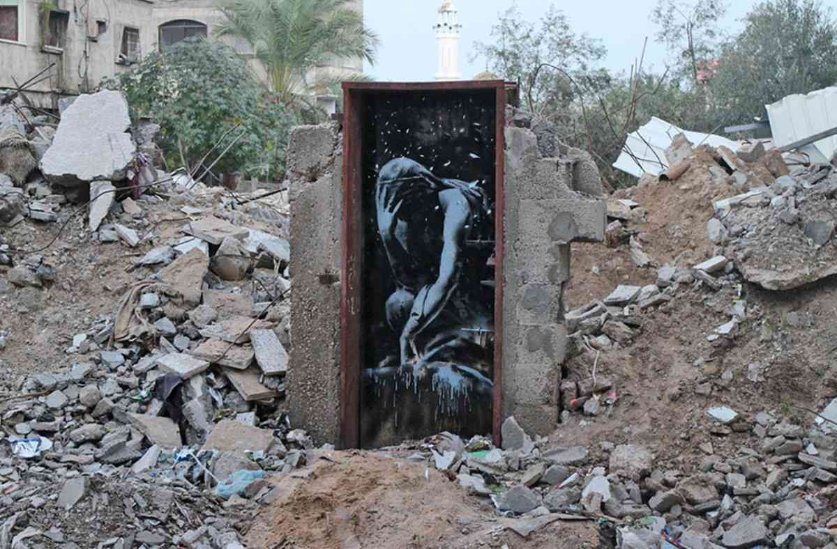 Banksy-in-Gaza-image-of-Niobe-2