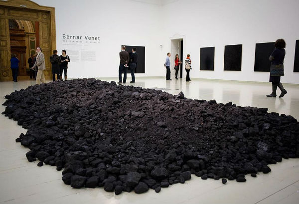 Bernar Venet - Coal Pile originating cc 1963