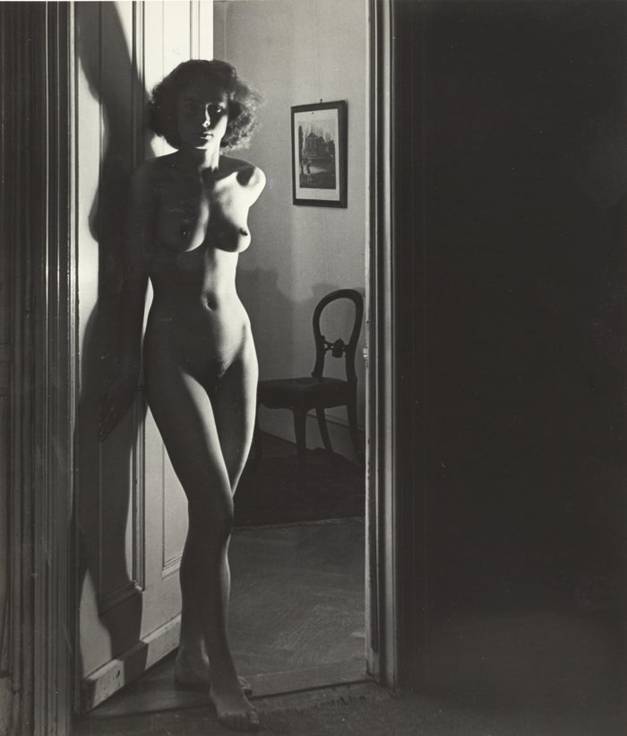 Bill Brandt-London (Standing Nude)-1940