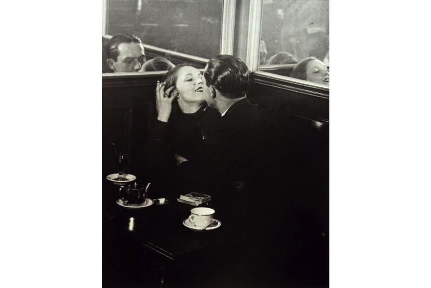 Brassaï - Lovers, Place d'Italie, c. 1932