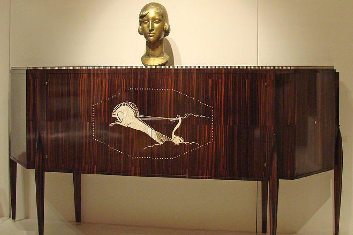 Cabinet by Emile-Jacques Ruhlmann (1926)