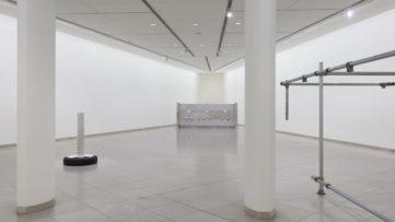 Cady Noland Installation view MMK