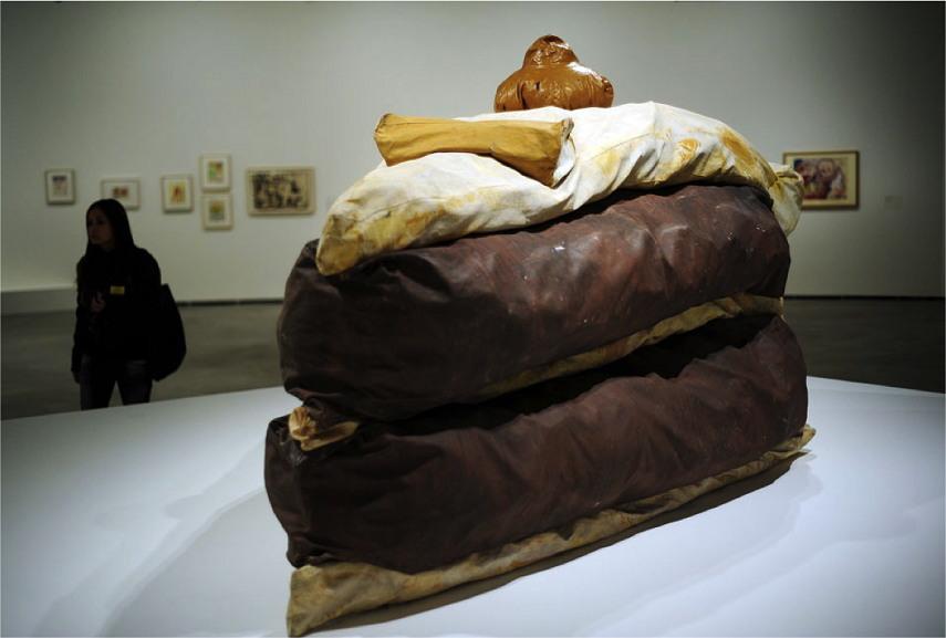 Claes Oldenburg create Floor Cake painting, 1962.