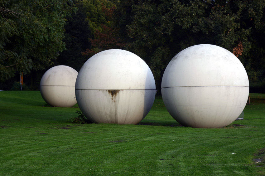 Claes Oldenburg x Coosje van Bruggen