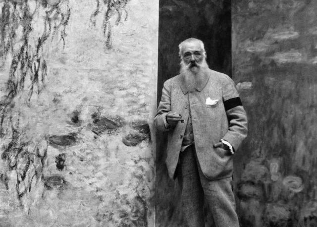 Claude Monet - Photography of the artist - Photo Credits Kids Encyclopedia