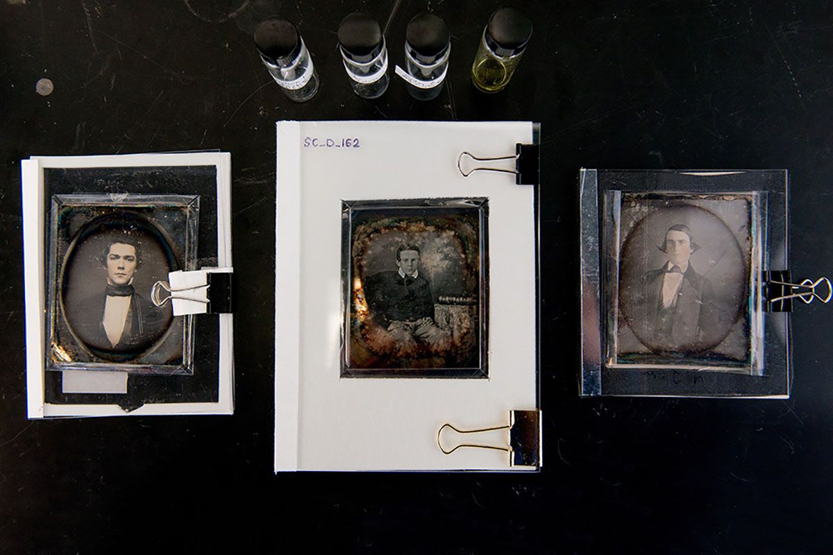 make early daguerreotypes with modern day equipment