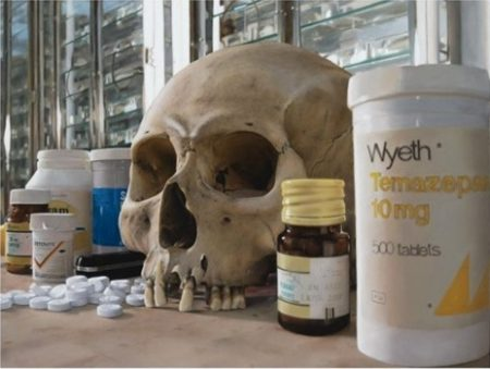 Damien Hirst-Skulls with Pills-2008